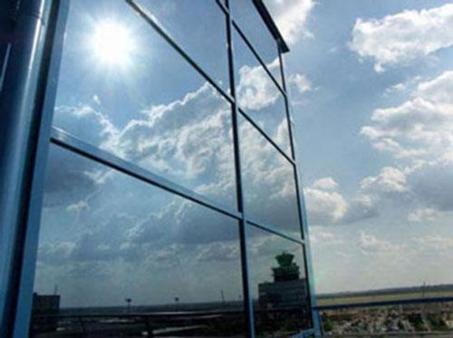 giấy dán phản quang, dán phim cách nhiệt cho nhà kính, dán cách nhiệt cho cửa kính