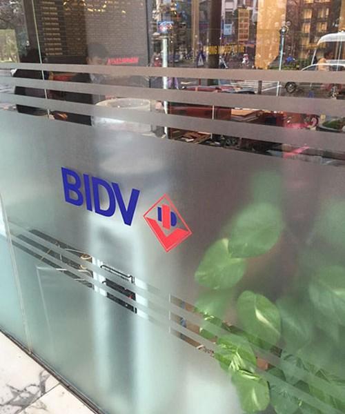 dán kính mờ cho ngân hàng BIDV