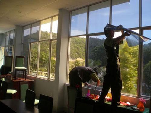 Miếng dán cách nhiệt cho cửa kính